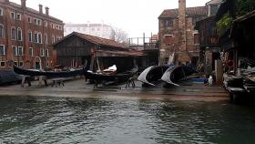 gondola wharf venice