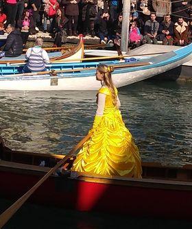 A yellow dream at La Festa Venezian 2a parte