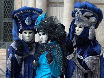 Masques in Venice. A dream in blue